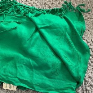 Green coldwater creek large Shaw scarf NWT
